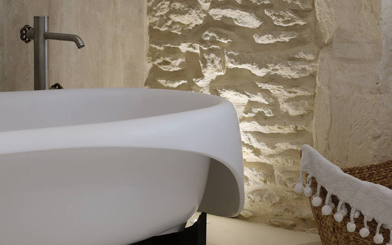 bathroom in provence luxury hotel