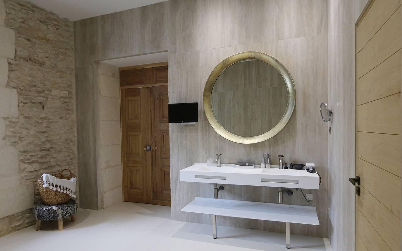 salle de bain dans un hotel 5 étoiles en Provence