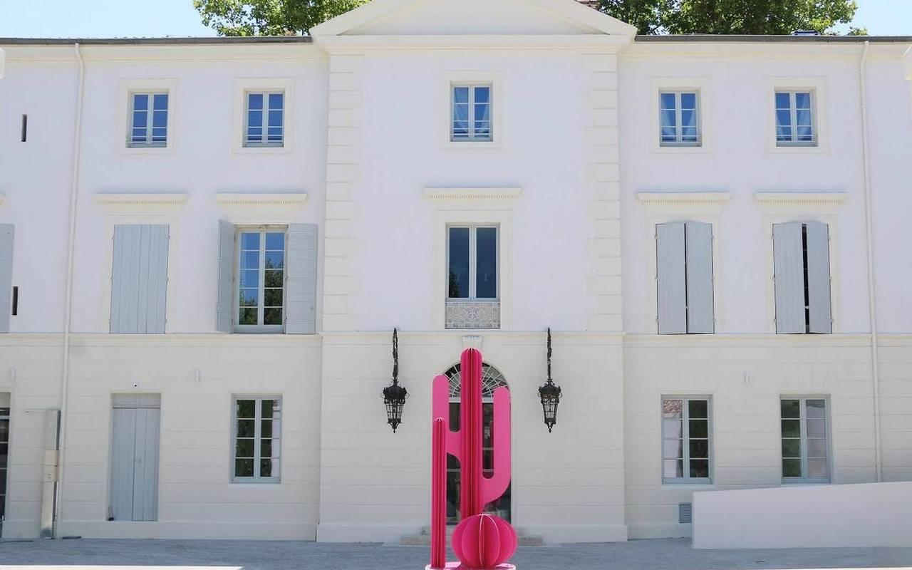 Façade de de l'hôtel le Saint Rémy en Provence